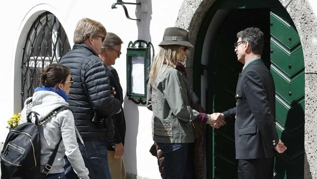 """Willem-Alexander und Maxima kehrten mit Beatrix beim """"Goldenen Hirsch"""" ein. (Bild: MARKUS TSCHEPP)"""