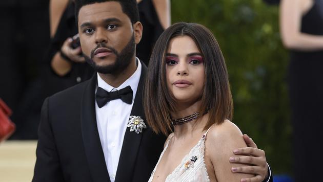 Selena Gomez machte ihren ersten Pärchen-Auftritt mit The Weeknd. (Bild: 2017 Invision)