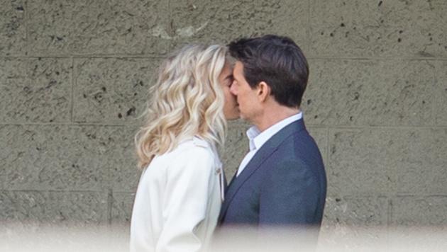 Tom Cruise knutscht mit Vanessa Kirby. (Bild: Viennareport)