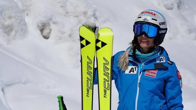 Nach Unterschenkelbruch: Brem wieder auf Skiern (Bild: facebook.com)