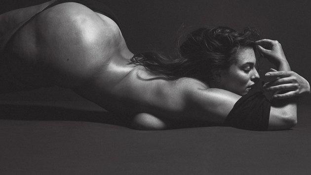 """Ashley Graham ließ sich nackt für das """"V""""-Magazin ablichten. (Bild: twitter.com/vmagazine)"""
