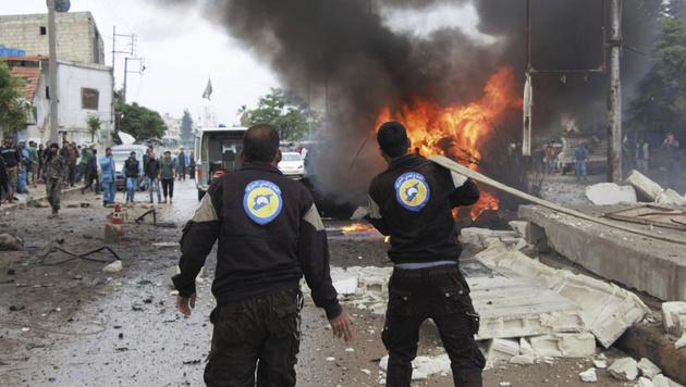 Die Explosion einer Autobombe in Nordsyrien (Bild: AP)