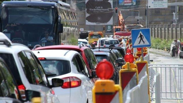 Kolonnen in Graz (Bild: Jürgen Radspieler)