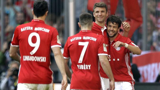 Bayern besiegelt Darmstadt-Abstieg! Leipzig jubelt (Bild: AP)