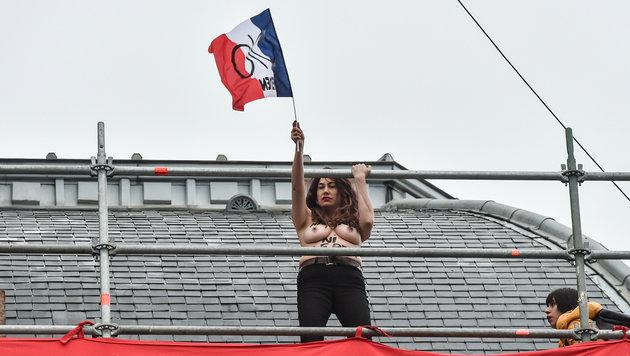 Nackter Femen-Protest in Le-Pen-Hochburg (Bild: AFP)