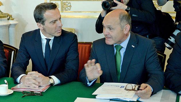 Bundeskanzler Christian Kern und Innenminister Wolfgang Sobotka (Bild: APA/Roland Schlager)