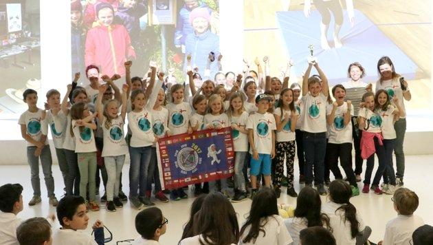 """Die Schüler der VS Wolfsegg am Hausruck siegten beim bundesweiten Projekt """"Mission X"""". (Bild: ARS ELECTRONICA)"""