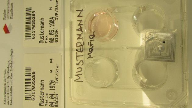 Alle eingesetzten Materialien werden mit Mikrochips markiert. (Bild: Kronen Zeitung)