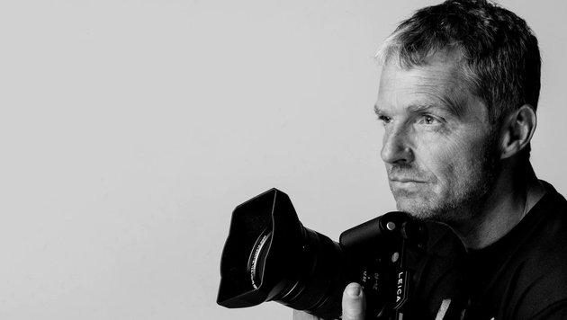 Top-Fotograf Manfred Baumann hat die 20 Finalistinnen in Dessous vor der Kamera. (Bild: Manfred Baumann)