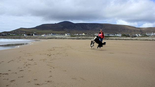 Verschwundener Sandstrand nach 33 Jahren wieder da (Bild: Achill Tourism/Sean Molloy)