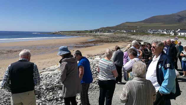 Verschwundener Sandstrand nach 33 Jahren wieder da (Bild: Achill Island Tourist Office)