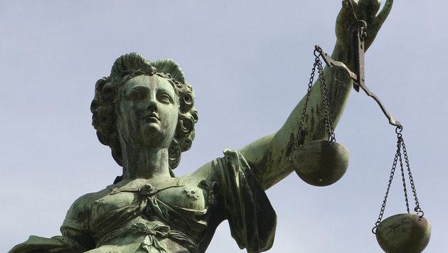 Mildes Urteil: Nur vier Wochen bedingte Haft für eine Mutter, ihr Kind zwei Stunden leiden ließ (Bild: AP)
