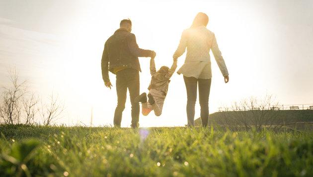 Am Muttertag wechseln Sonne und Regen ab (Bild: thinkstockphotos.de)