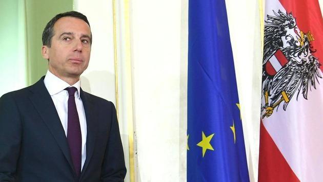 Kern will weiterregieren - und droht der ÖVP (Bild: APA/HELMUT FOHRINGER)