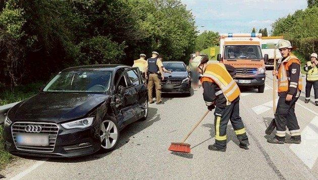 Totalschaden am Audi, die Insassin hatte Glück im Unglück. (Bild: BRK/BLG)