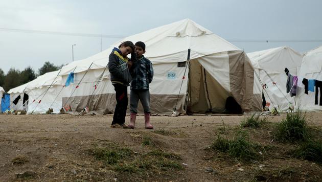 Flüchtlingskinder auf Lesbos (Bild: AFP)