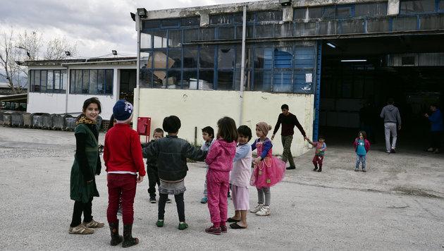 Flüchtlingskinder in Griechenland (Bild: AFP)