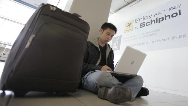 Laptop darf vorerst weiter mit in die Kabine (Bild: AP)