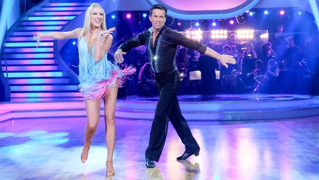 Maria Santner und Martin Ferdiny tanzen in der achten Show Samba und Paso Doble. (Bild: ORF Hans Leitner)
