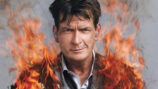 Charlie Sheen in Flammen (Bild: twitter.com)