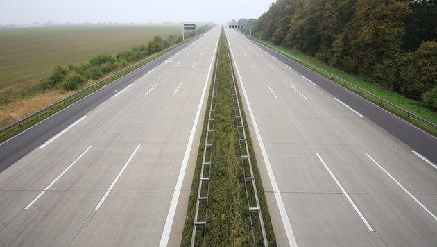 Salzburg: Toter auf Westautobahn gefunden (Bild: APA/dpa-Zentralbild/Peter Gercke)