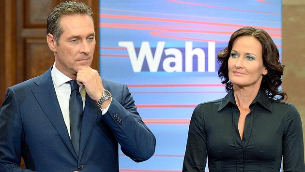 Heinz-Christian Strache und Eva Glawischnig im Jahr 2013 während eines TV-Einstiegs im Parlament (Bild: APA/Herbert Neubauer)