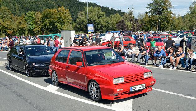Auch am Faaker See feiern derzeit wieder Tausende Autofans. (Bild: Sobe Hermann)