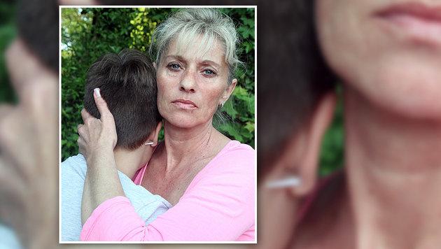 """Auch die Mutter des Opfers ist seit der Tat völlig gebrochen: """"Ich habe ständig Herzschmerzen."""" (Bild: Andi Schiel)"""