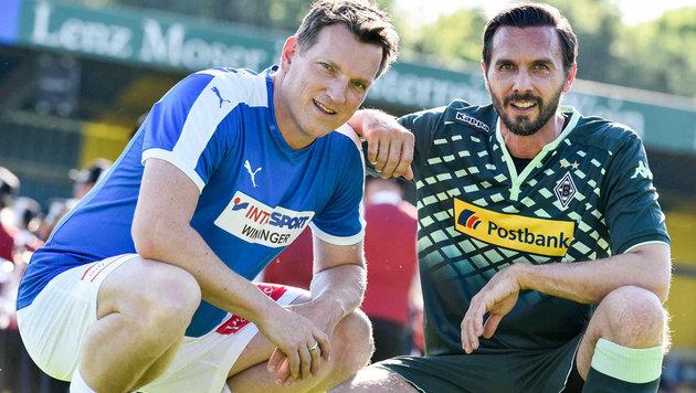 Andreas Herzog und Martin Stranzl (rechts) beim Charity-Kick in Linz. (Bild: Markus Wenzel)