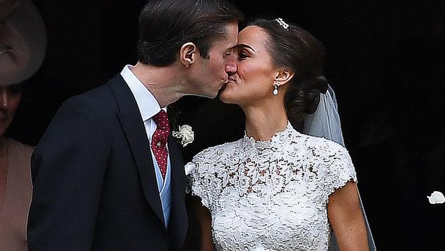 Pippa und Gatte James (Bild: AFP)