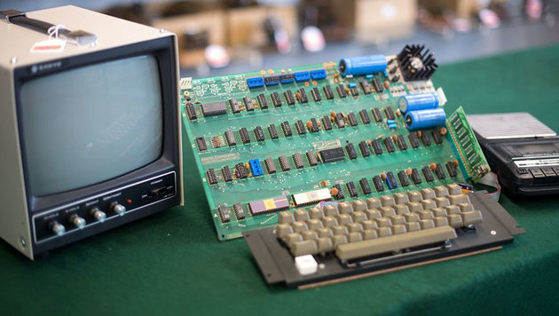 """Apple I""-Computer für 110.000 Euro versteigert (Bild: AFP/dpa/ Marius Becker)"