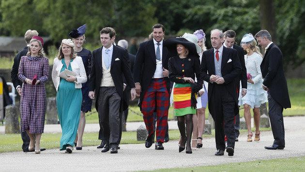 Hochzeitsgäste bei ihrer Ankunft (Bild: AP)