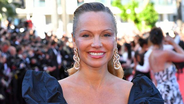 Ex-Nixe Pamela Anderson völlig verbotoxt in Cannes (Bild: AFP)