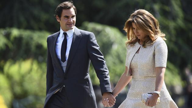 Roger Federer und seine Ehefrau Mirka bei der Hochzeit von Pippa Middleton (Bild: AFP)