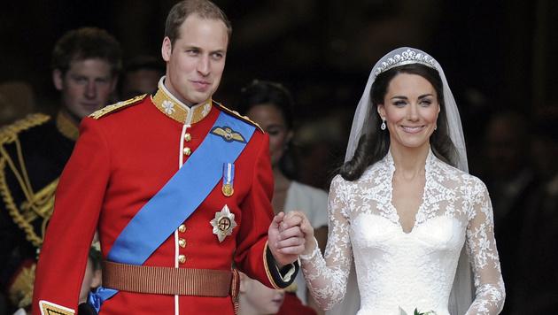 2011 führte Prinz William seine Kate vor den Altar. (Bild: AP)