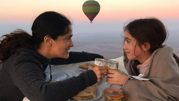 Salma Hayek mit Tochter Valentina (Bild: face to face)