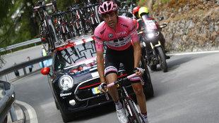 Dumoulin bricht ein, verteidigt aber Giro-Führung (Bild: AFP)