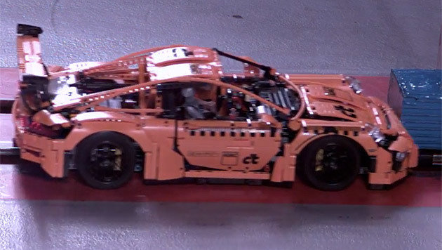 46 km h lego porsche stellt sich realem crashtest must see video auto. Black Bedroom Furniture Sets. Home Design Ideas
