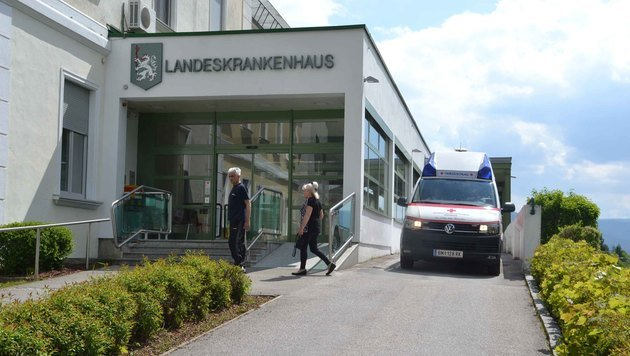 Heftiger Protest gegen Ambulanz-Kürzung (Bild: Heinz Weeber)