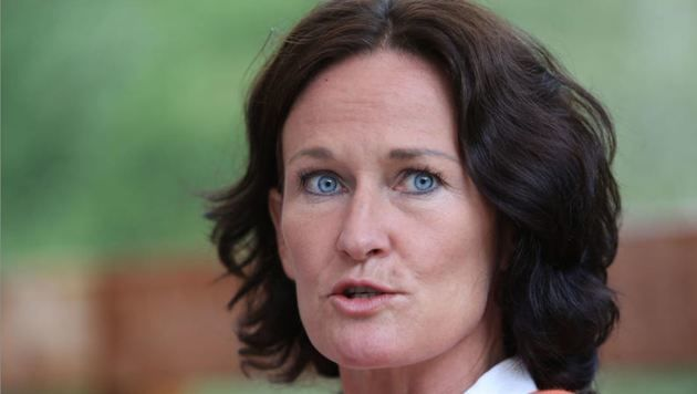 Das Ende einer Polit-Karriere. Eva Glawischnig ging zum Selbstschutz und zum Schutz der Familie. (Bild: Neumayr)