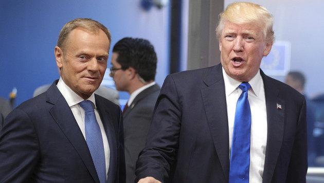 Donald trifft Donald: EU-Ratspräsident Tusk mit US-Präsident Trump in Brüssel (Bild: AP)