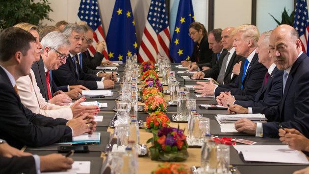 Meinungsaustausch auf höchster Ebene zwischen der EU und den USA (Bild: AFP)