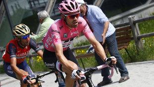 Dumoulin behält in den Dolomiten die Giro-Führung (Bild: AFP)