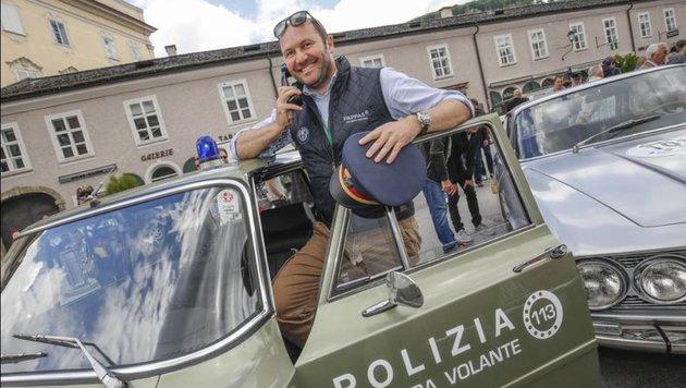 Mercedes-Chef Fritz Lixl mit der flotten Polizei-Giulia aus dem Hause Alfa Romeo auf den Fersen. (Bild: Markus Tschepp)