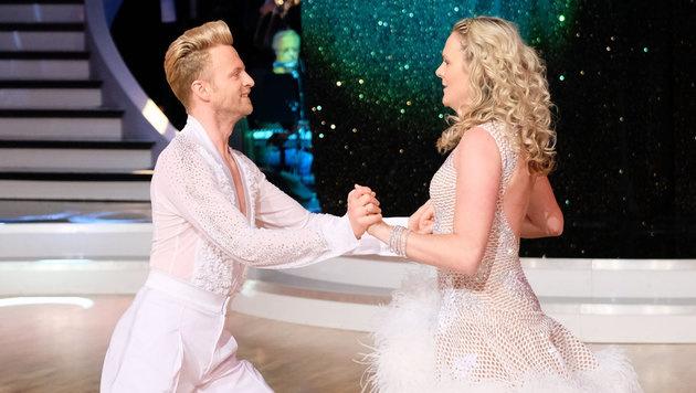 Willi Gabalier mit Tanzpartnerin Niki Hosp (Bild: ORF)