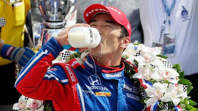 Sato-Triumph bei Indy 500 - Alonso ausgeschieden (Bild: AP)