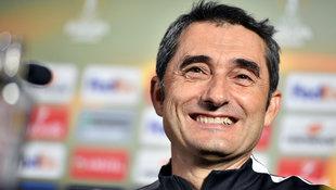 Ernesto Valverde ist neuer Coach des FC Barcelona (Bild: AFP)