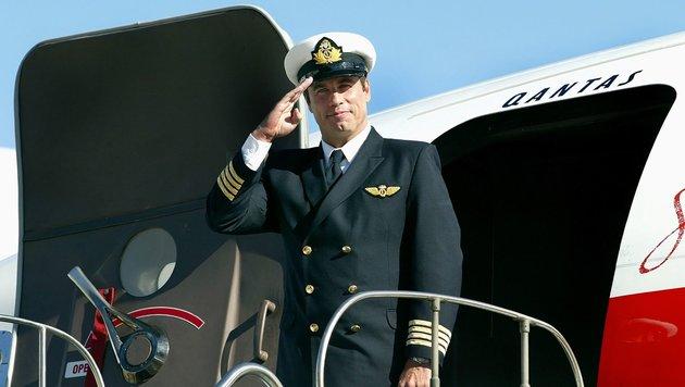 Hobby-Pilot John Travolta nimmt Abschied von seiner Boeing. (Bild: AFP)