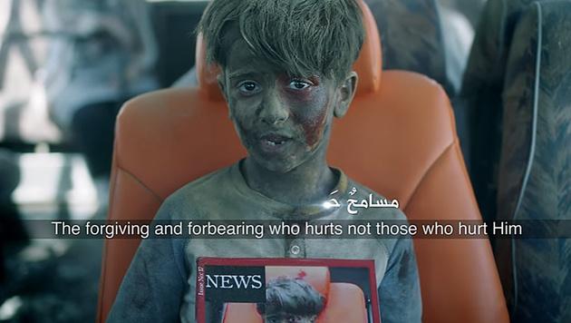 Das Bild von Omran, das um die Welt ging, wird im Video aufgegriffen. (Bild: YouTube.com/Zain)