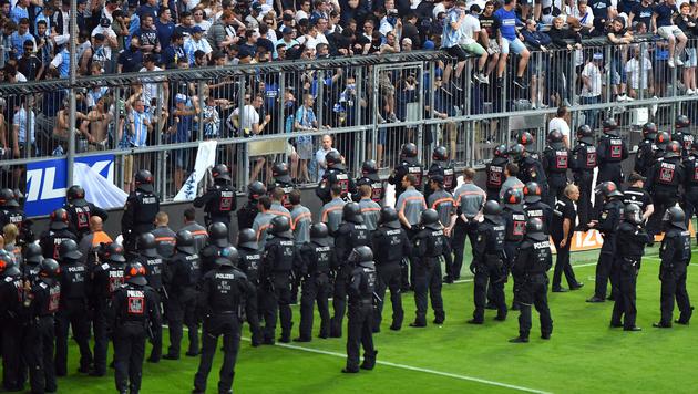 Gewalt eskaliert! Die deutsche Liga in Angst (Bild: GEPA)